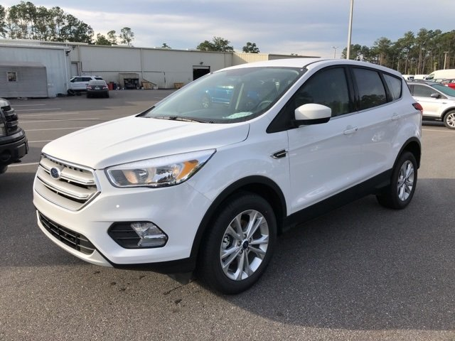 2019 Oxford White Ford Escape SE 4 Door Automatic FWD EcoBoost 1.5L I4 GTDi DOHC Turbocharged VCT Engine