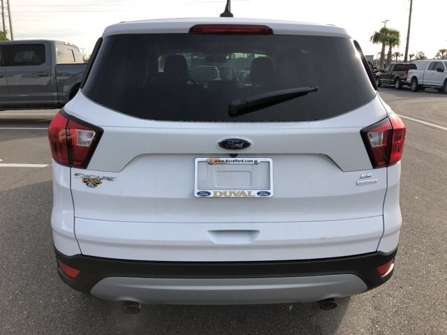 2019 Oxford White Ford Escape SE EcoBoost 1.5L I4 GTDi DOHC Turbocharged VCT Engine Automatic 4 Door