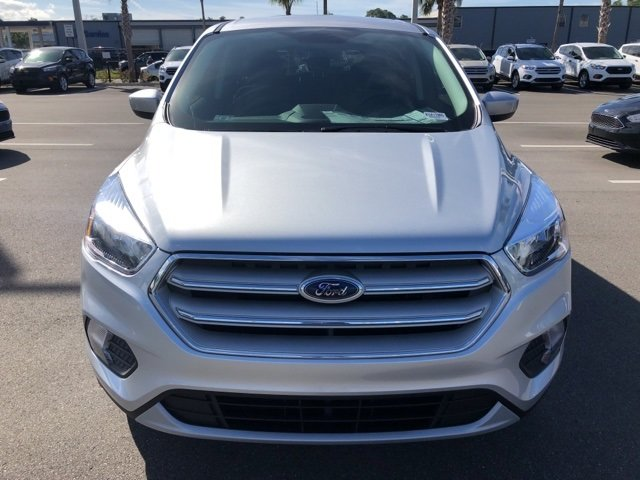 2019 Ford Escape SE EcoBoost 1.5L I4 GTDi DOHC Turbocharged VCT Engine 4 Door SUV 4X4