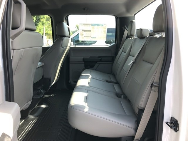 2018 Oxford White Ford Super Duty F-250 SRW XL RWD Truck 4 Door