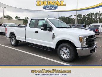 2019 Oxford White Ford Super Duty F-250 SRW XL 4 Door 6.2L SOHC Engine Automatic Truck