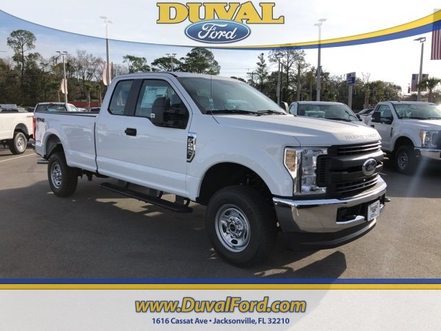 2019 Oxford White Ford Super Duty F-250 SRW XL Automatic 6.2L SOHC Engine 4X4 4 Door Truck