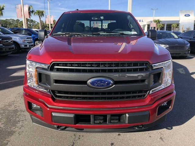 2018 Ruby Red Metallic Tinted Clearcoat Ford F-150 XLT 4X4 Truck EcoBoost 2.7L V6 GTDi DOHC 24V Twin Turbocharged Engine 4 Door