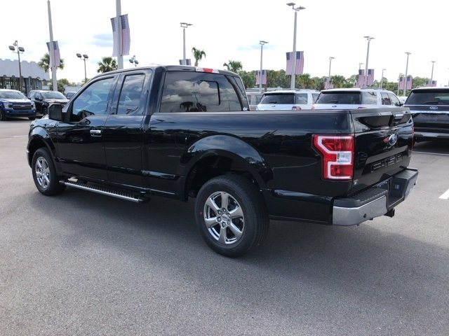2018 Shadow Black Ford F-150 XLT 3.3L V6 Ti-VCT 24V Engine Automatic Truck 4 Door RWD