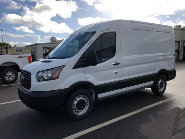 2019 Oxford White Ford Transit-150 Base Automatic RWD 3 Door