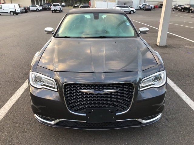 2016 Granite Crystal Metallic Clearcoat Chrysler 300C Base Automatic 4 Door RWD Sedan 3.6L 6-Cylinder SMPI DOHC Engine