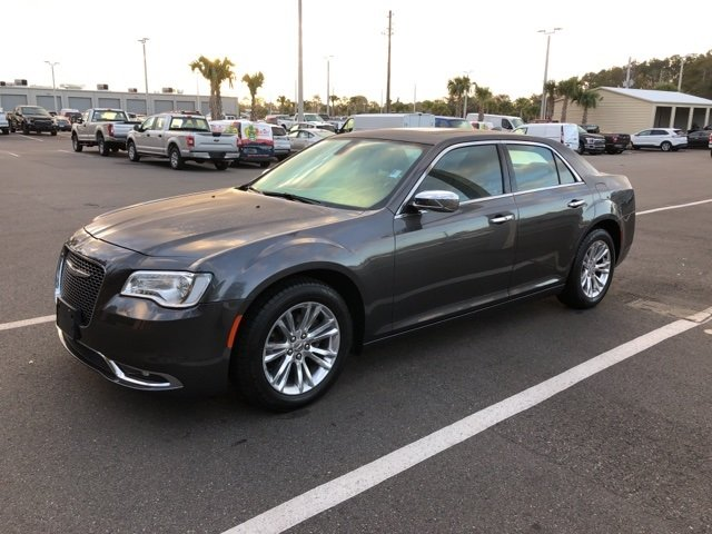 2016 Granite Crystal Metallic Clearcoat Chrysler 300C Base RWD 3.6L 6-Cylinder SMPI DOHC Engine 4 Door Automatic Sedan