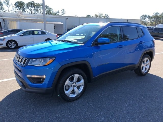 2018 Laser Blue Pearlcoat Jeep Compass Latitude Automatic SUV FWD 4 Door
