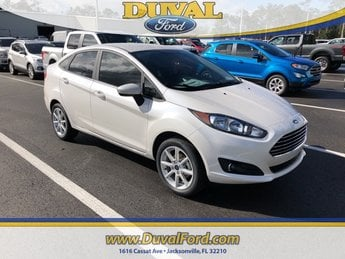 2019 White Platinum Clearcoat Metallic Ford Fiesta SE 4 Door Sedan Automatic 1.6L I4 Ti-VCT Engine FWD
