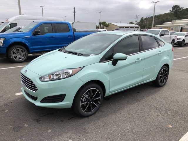 2019 Bohai Bay Mint Metallic Ford Fiesta SE 1.6L I4 Ti-VCT Engine FWD 4 Door