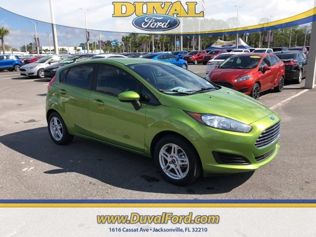 2018 Outrageous Green Metallic Tinted Clearcoat Ford Fiesta SE FWD 4 Door Automatic