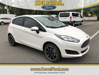 2019 White Platinum Clearcoat Metallic Ford Fiesta SE 4 Door FWD 1.6L I4 Ti-VCT Engine