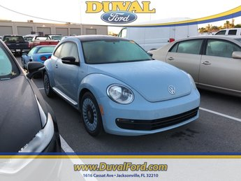 2014 Volkswagen Beetle 1.8T Manual 1.8L 4-Cylinder DGI Turbocharged DOHC Engine 2 Door FWD Hatchback