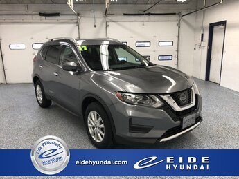 2017 Gun Metallic Nissan Rogue SV Automatic (CVT) AWD SUV