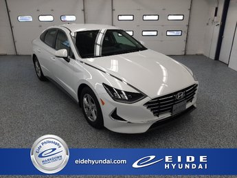 2020 Quartz White Hyundai Sonata SE 4 Door Sedan FWD