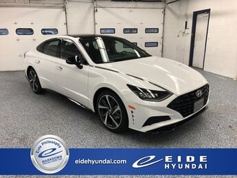 2021 Quartz White Hyundai Sonata SEL Plus Sedan 4 Door Automatic FWD
