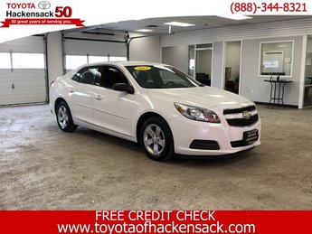 2013 Summit White Chevy Malibu LS 4 Door Gas I4 2.5L/150 Engine Automatic