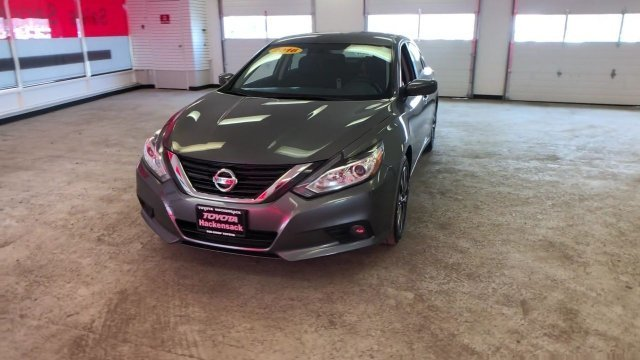 2016 Gun Metallic Nissan Altima 2.5 SV 4 Door Sedan Regular Unleaded I-4 2.5 L/152 Engine FWD Automatic (CVT)