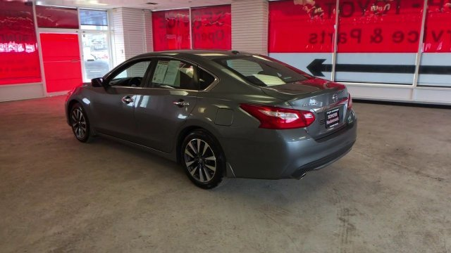 2016 Nissan Altima 2.5 SV Sedan Automatic (CVT) FWD