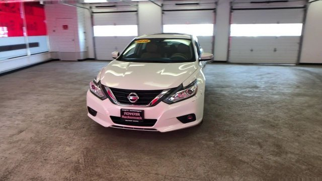 2016 Nissan Altima 2.5 SL FWD Automatic (CVT) Regular Unleaded I-4 2.5 L/152 Engine Sedan 4 Door