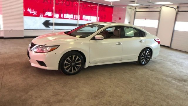 2016 Pearl White Nissan Altima 2.5 SL Automatic (CVT) Sedan FWD Regular Unleaded I-4 2.5 L/152 Engine