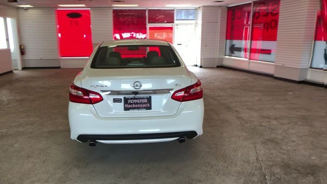 2016 Pearl White Nissan Altima 2.5 SL 4 Door Sedan Regular Unleaded I-4 2.5 L/152 Engine FWD