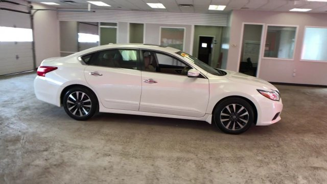 2016 Pearl White Nissan Altima 2.5 SL Automatic (CVT) Sedan FWD Regular Unleaded I-4 2.5 L/152 Engine 4 Door