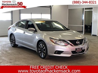 2016 Brilliant Silver Nissan Altima 2.5 SV Automatic (CVT) 4 Door Sedan FWD