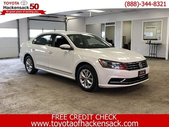 2016 Pure White Volkswagen Passat 1.8T S 4 Door FWD Sedan Automatic
