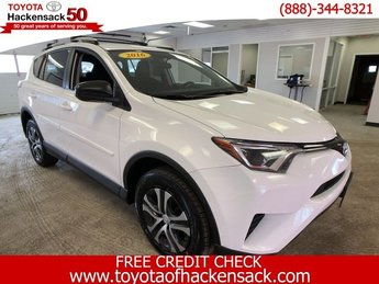 2016 Super White Toyota RAV4 LE Regular Unleaded I-4 2.5 L/152 Engine 4 Door SUV AWD