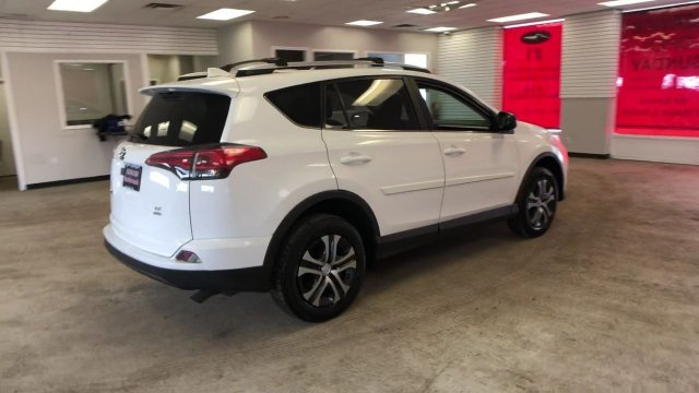 2016 Super White Toyota RAV4 LE AWD Regular Unleaded I-4 2.5 L/152 Engine Automatic 4 Door