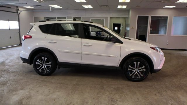2016 Super White Toyota RAV4 LE AWD Regular Unleaded I-4 2.5 L/152 Engine SUV Automatic