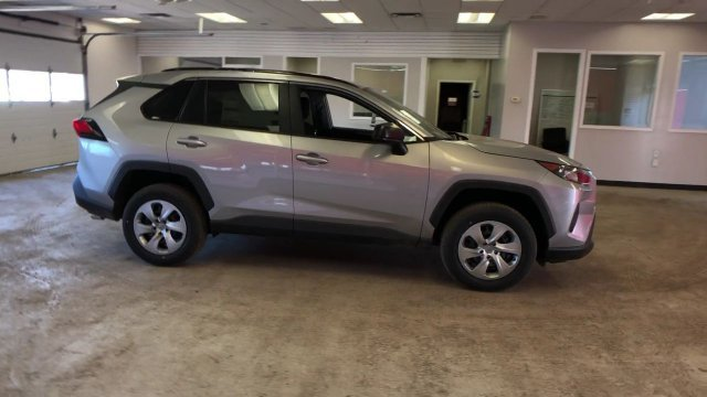 2019 Toyota RAV4 LE AWD Regular Unleaded I-4 2.5 L/152 Engine AWD 4 Door