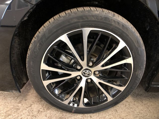 2019 Midnight Black Metallic Toyota Camry SE Auto Sedan Regular Unleaded I-4 2.5 L/152 Engine Automatic