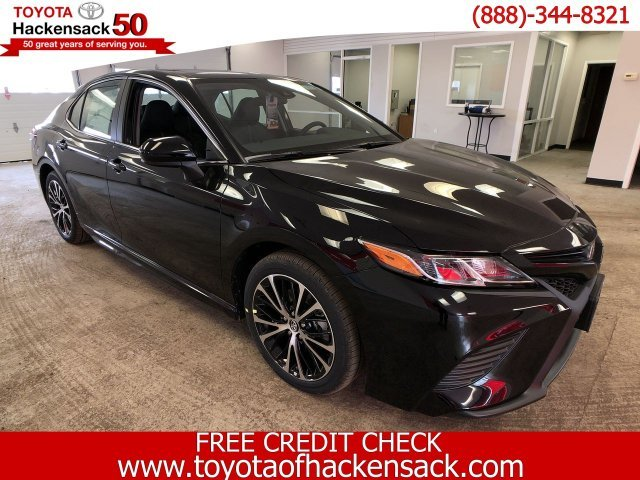 2019 Toyota Camry SE Auto FWD Sedan Regular Unleaded I-4 2.5 L/152 Engine Automatic