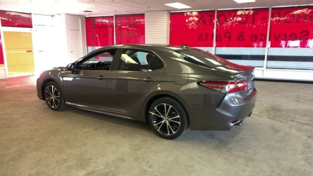 2019 Predawn Gray Mica Toyota Camry SE Auto Automatic Regular Unleaded I-4 2.5 L/152 Engine 4 Door