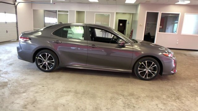2019 Predawn Gray Mica Toyota Camry SE Auto 4 Door Sedan Regular Unleaded I-4 2.5 L/152 Engine