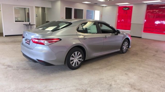 2019 Toyota Camry Hybrid LE CVT Gas/Electric I-4 2.5 L/152 Engine FWD Automatic (CVT) Sedan