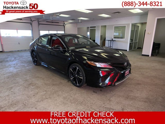2019 Midnight Black Metallic Toyota Camry XSE Auto Regular Unleaded I-4 2.5 L/152 Engine Automatic Sedan 4 Door FWD