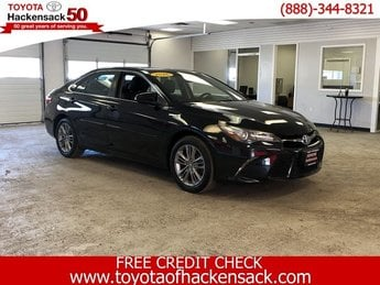 2016 Toyota Camry Hybrid SE Sedan Automatic (CVT) FWD Gas/Electric I-4 2.5 L/152 Engine