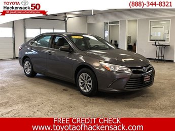 2016 Predawn Gray Mica Toyota Camry LE Sedan 4 Door FWD Regular Unleaded I-4 2.5 L/152 Engine Automatic