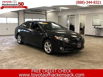2014 Attitude Black Metallic Toyota Camry SE Sedan Automatic 4 Door