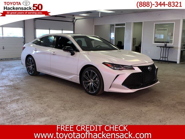 2019 Toyota Avalon Touring Regular Unleaded V-6 3.5 L/211 Engine 4 Door FWD Automatic Sedan