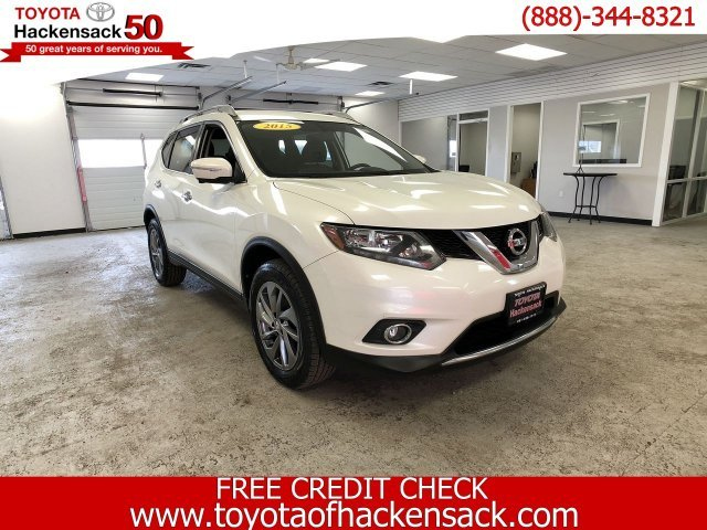 2015 Pearl White Nissan Rogue SL 4 Door AWD Automatic (CVT) Regular Unleaded I-4 2.5 L/152 Engine SUV