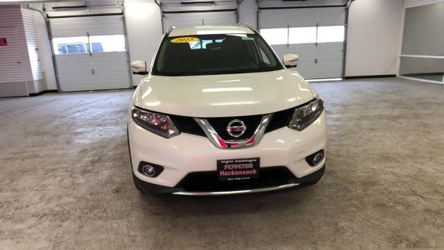 2015 Pearl White Nissan Rogue SL SUV 4 Door Regular Unleaded I-4 2.5 L/152 Engine Automatic (CVT) AWD