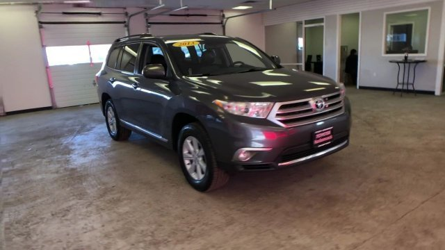 2013 Magnetic Gray Metallic Toyota Highlander SE 4X4 SUV 4 Door Automatic Gas V6 3.5L/211 Engine