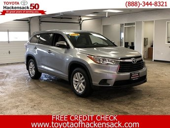 2016 Toyota Highlander LE Regular Unleaded V-6 3.5 L/211 Engine 4 Door Automatic