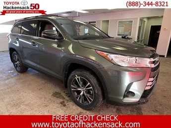 2019 Alumina Jade Metallic Toyota Highlander LE V6 AWD SUV Automatic Regular Unleaded V-6 3.5 L/211 Engine 4 Door AWD