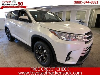 2019 Toyota Highlander LE Plus V6 AWD Automatic 4 Door Regular Unleaded V-6 3.5 L/211 Engine AWD