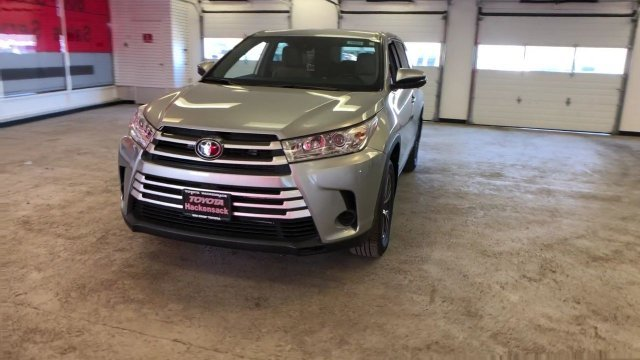 2019 Toyota Highlander LE V6 AWD 4 Door AWD Regular Unleaded V-6 3.5 L/211 Engine SUV